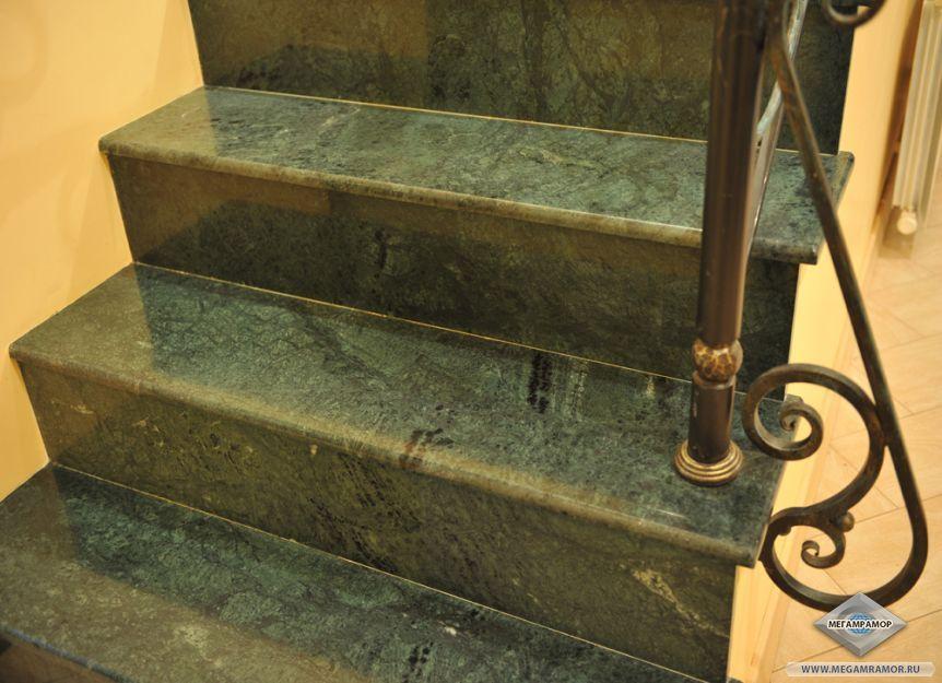 Лестница из мрамора Индиан Грин