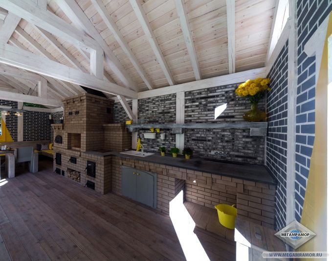 Кухонная столешница из гранита Неро Импала