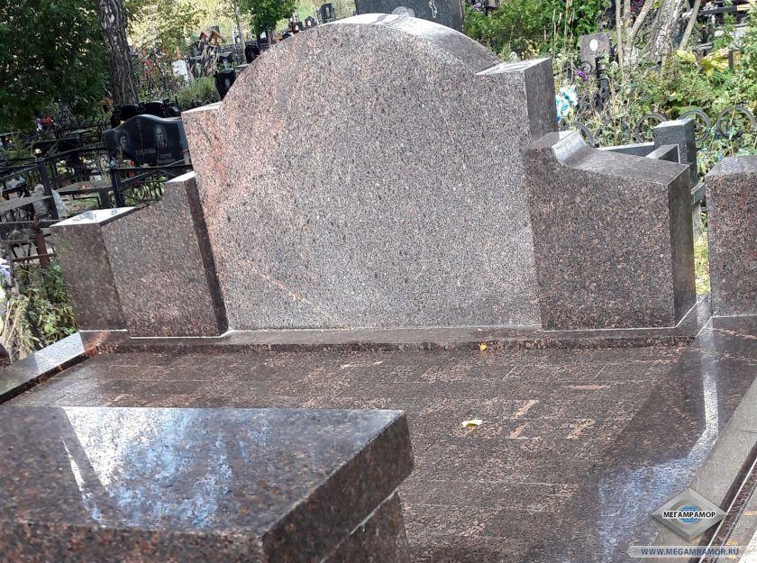Мемориальный комплекс из гранита Дымовский