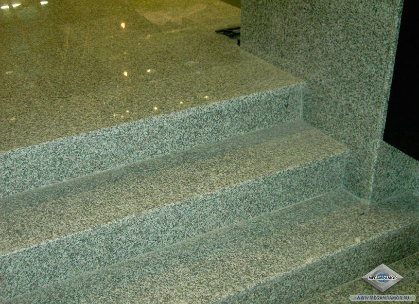 Лестница из гранита Белла Вайт