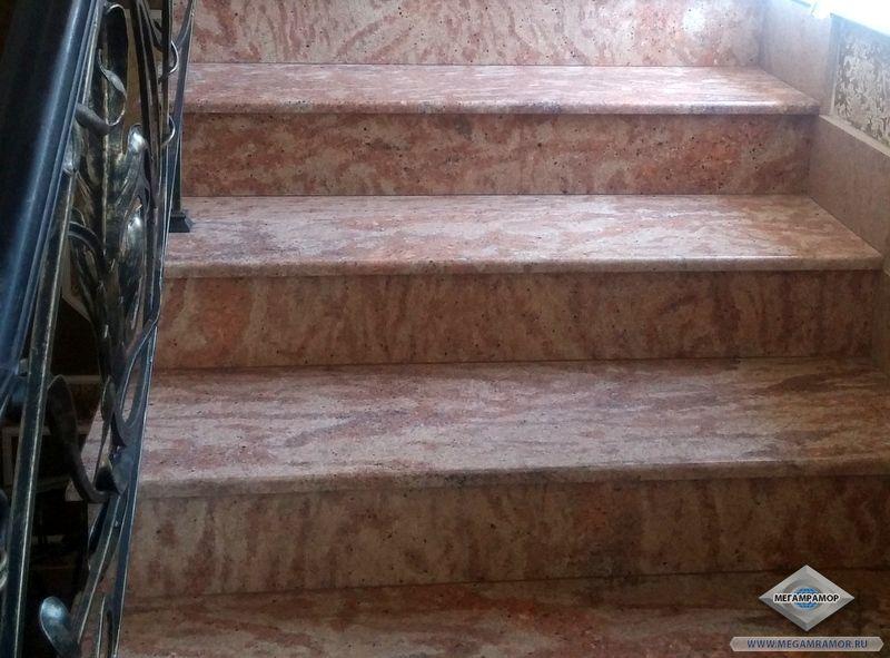 Лестница из гранита Шивакаши Голд